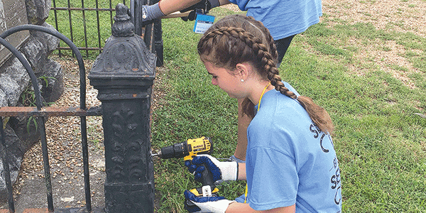 Local LDS teens spruce up Petersburg park, high school