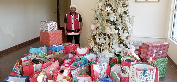 Second Baptist Church collects gifts for 20 angels